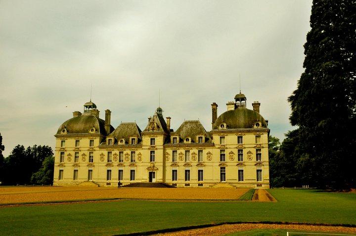2011-loire-valley-cheverny-castle-1