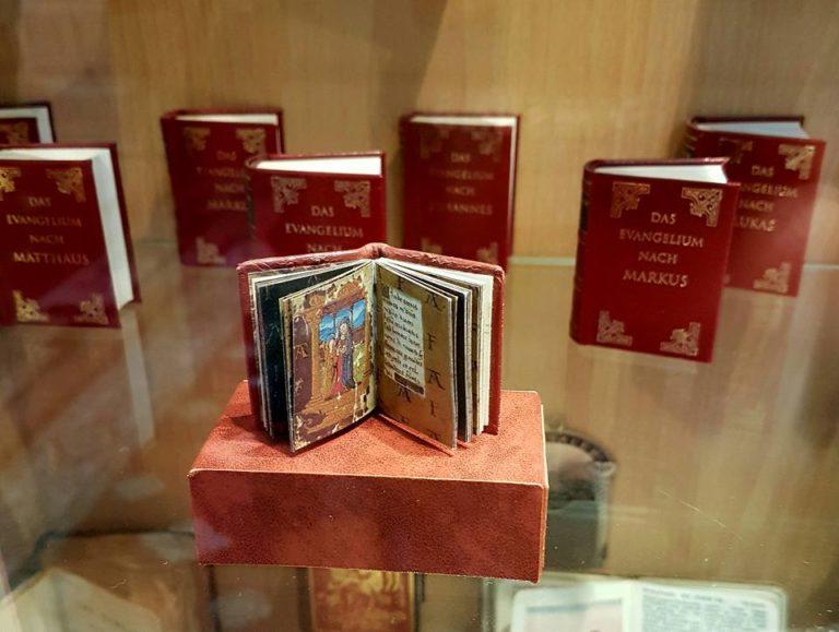 Mini Book Museum