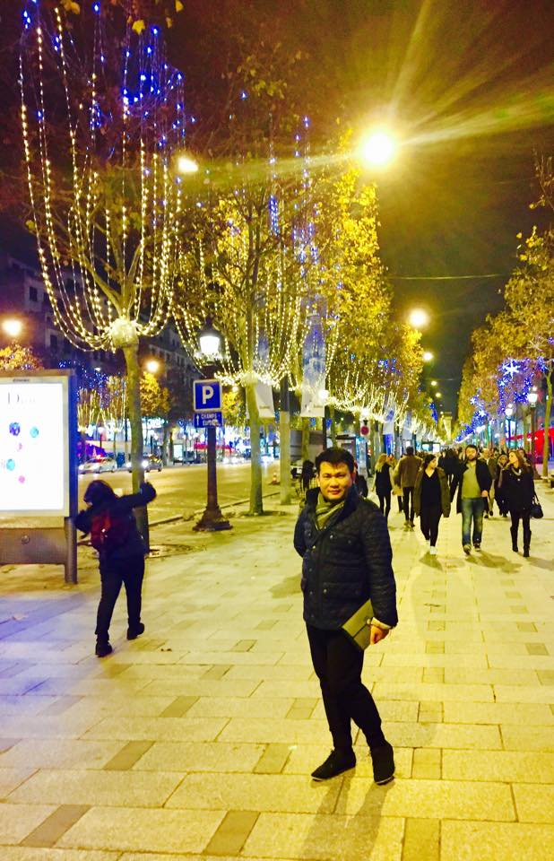 Champ Elysees Christmas Market 2015