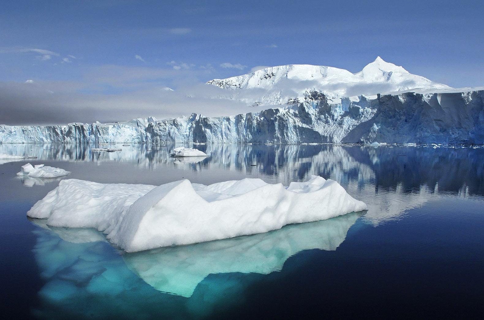 antarctica-glacier1