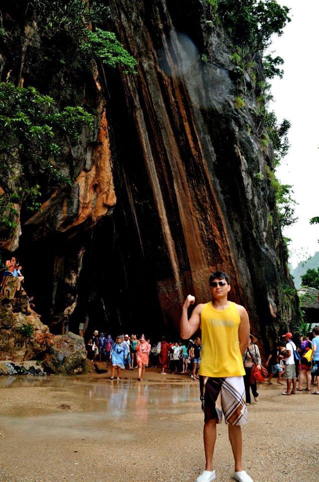 Tham Tatu Groto and Lawa Island