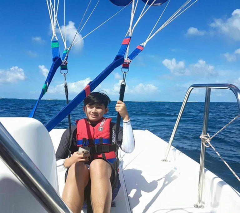 parasailing-in-gan-15
