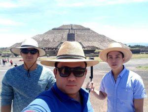 08-pyramids-of-teotihuacan