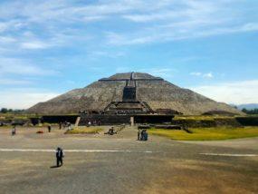 09-pyramids-of-teotihuacan