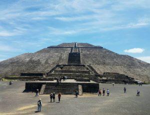 12-pyramids-of-teotihuacan