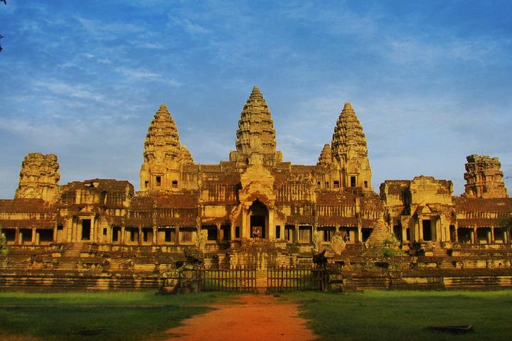 Angkor-Wat-Temples-of-Angkor_07