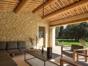 loggia-Villa-Lumiere-Provence
