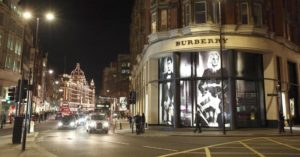 100339973-burberry-store-london-getty.1910x1000-1024x536